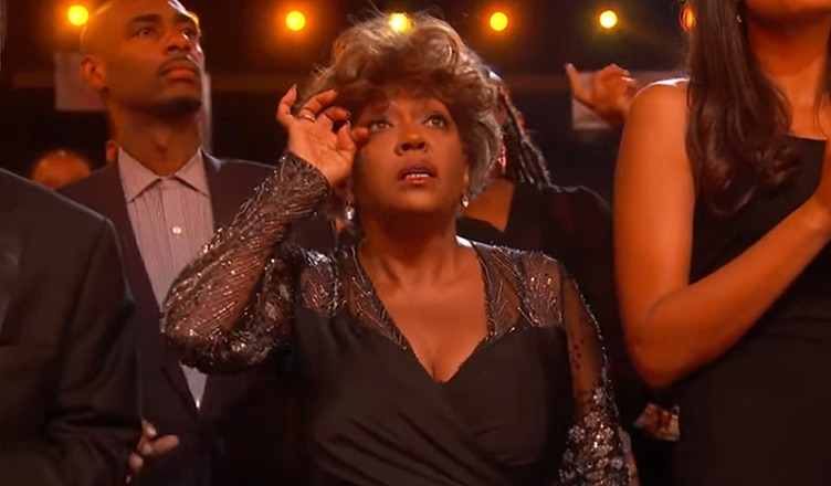 Anita Baker BET Awards Tribute (Credit: YouTube)