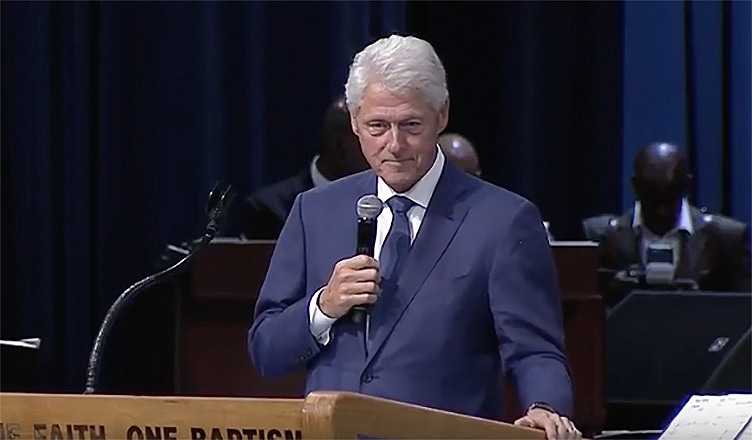 Bill Clinton at Aretha Franklin Funeral (Credit: YouTube)
