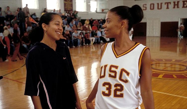 """Gina Prince-Bythewood and Sanaa Lathan on the set of """"Love & Basketball."""" (Credit: New Line Cinema)"""